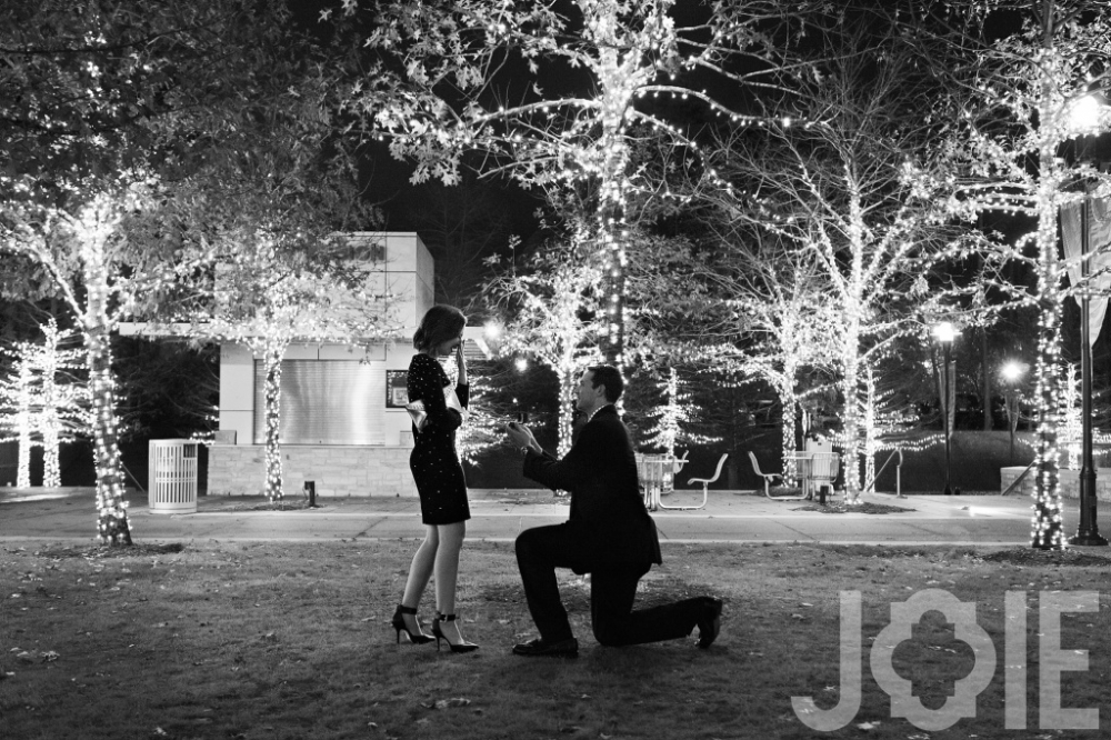 The Woodlands Waterway engagement Joie Photographie